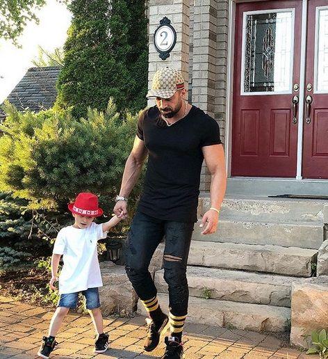 JamNewsImage14363846+ +Copy+ +Copy+%282%29 - عکس های لو رفته روناک یونسی بدون حجاب و عجیب در کانادا با شوهرش !