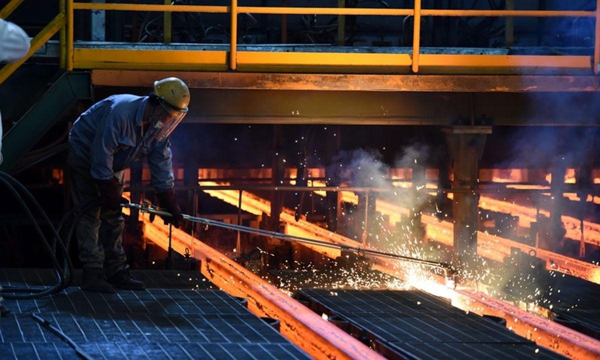 محدودیت های کربن زدایی؛ عامل کاهش تولید فولاد چین