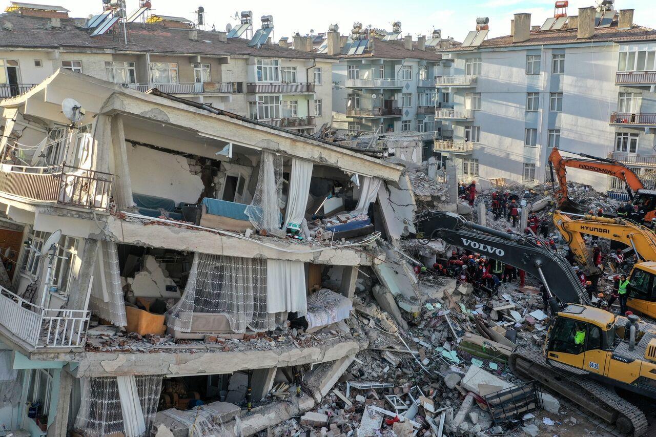 جزئیات زلزله مرگبار در ازمیر ترکیه + آمار کشته شدگان