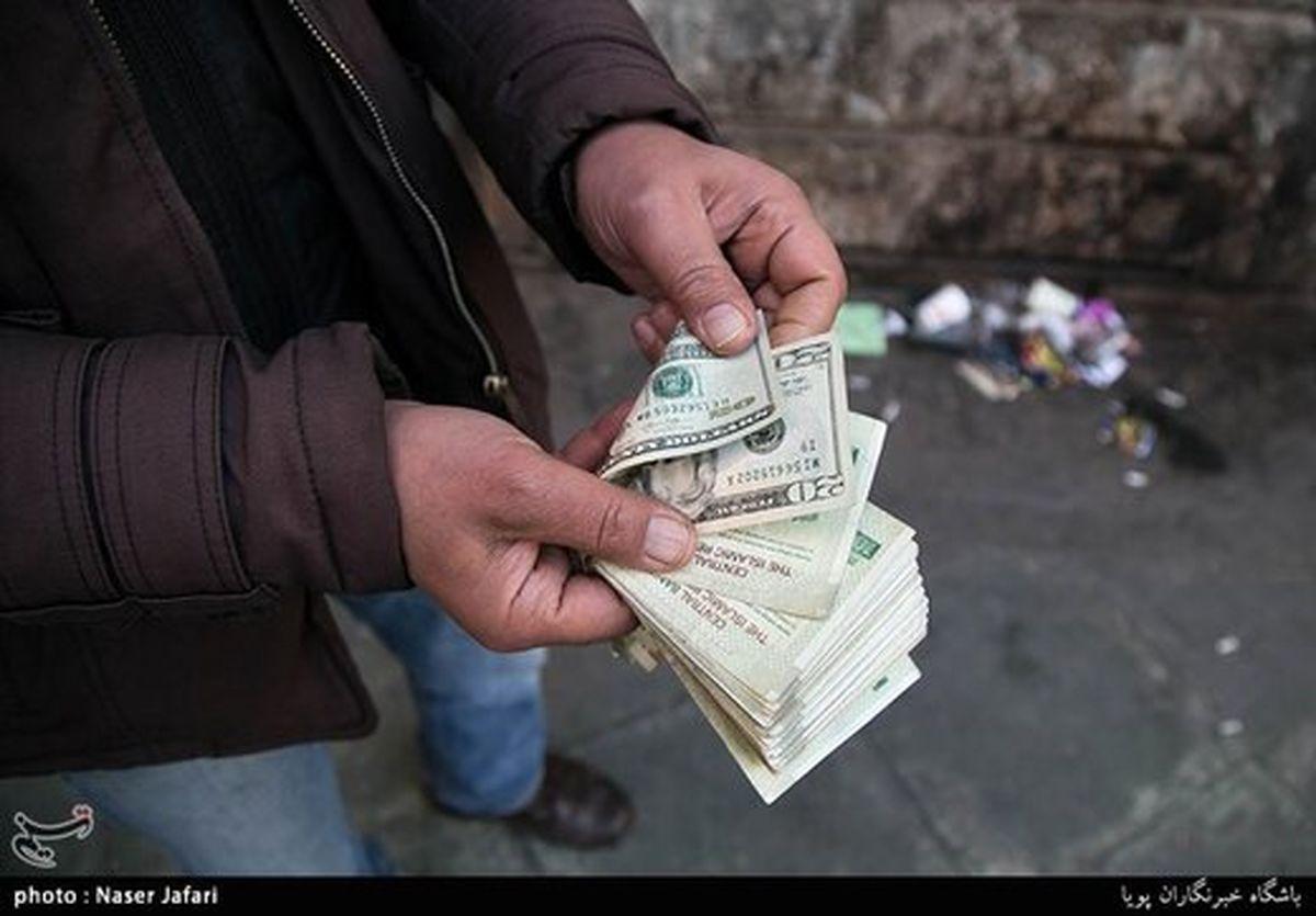 سیر نزولی قیمت دلار/ یورو در مرز ۱۳ هزار تومان