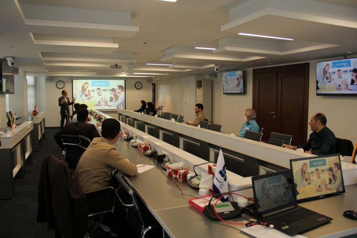 برگزاری دوره آموزشی فن بیان برای کارکنان خدمات بیمه سرمد