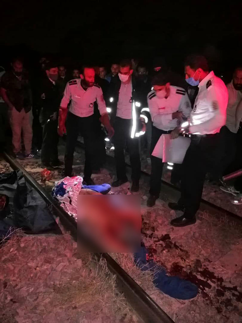 خودکشی زیر قطار مسافربری (2)