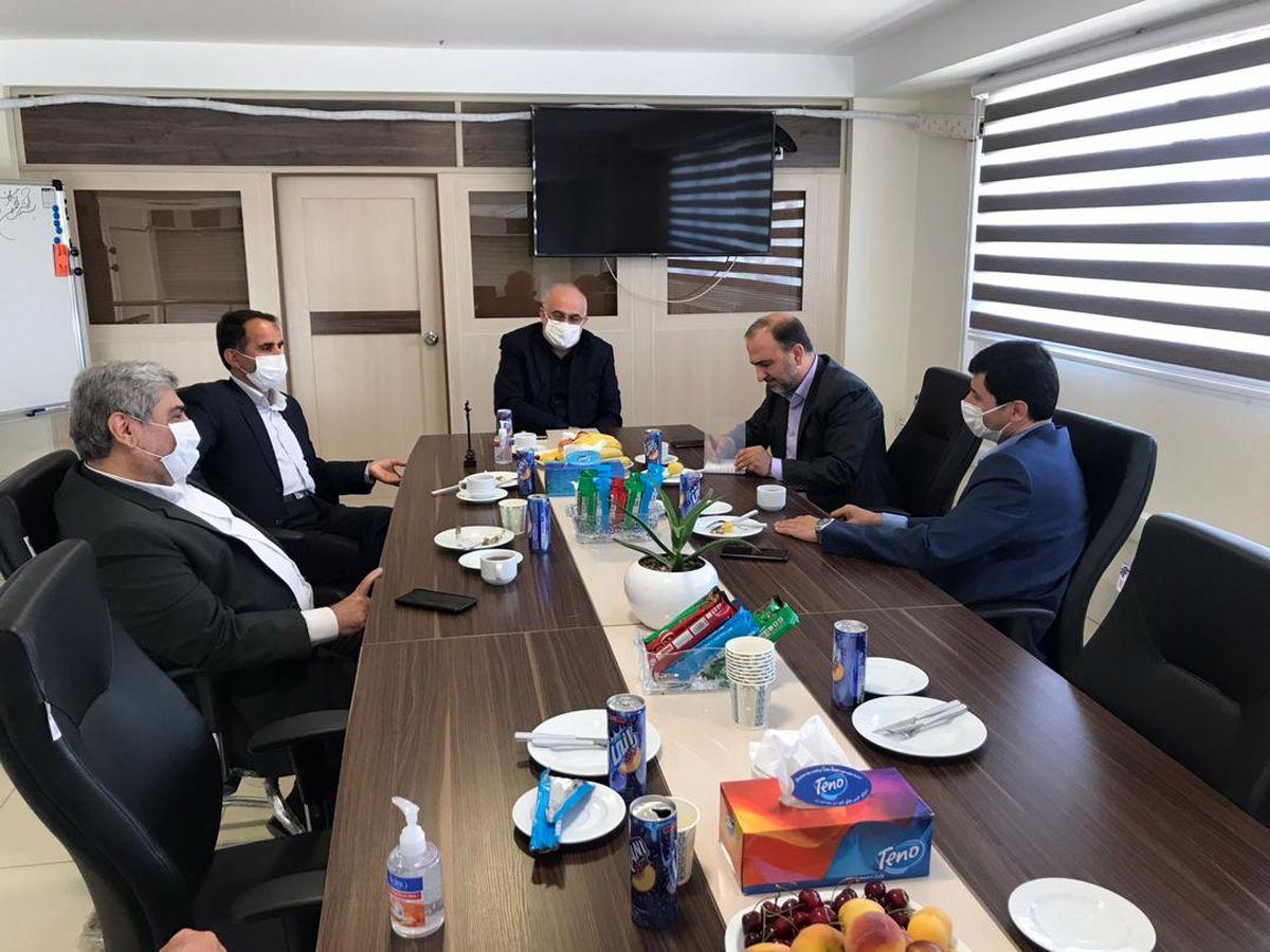 بازدید مدیرکل حوزه ریاست بیمه مرکزی از شعبه بیمه سرمد در زنجان