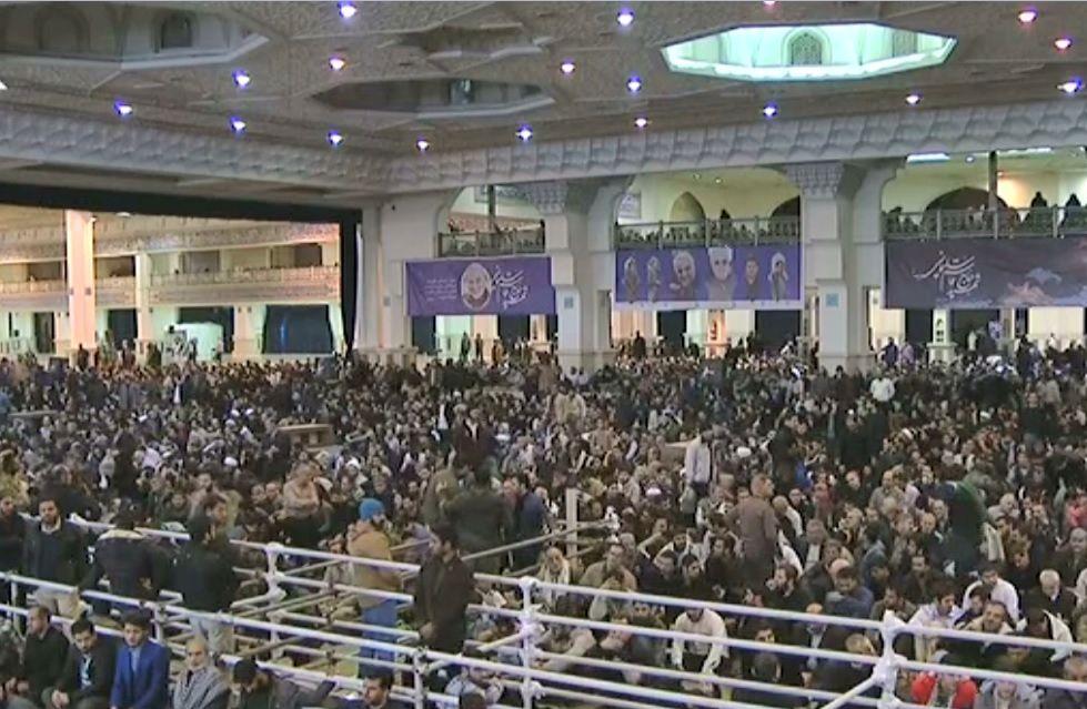 امروز؛ اقامه نماز جمعه تهران به امامت فرمانده کل قوا/ حضور مردم در ساعات اولیه صبح