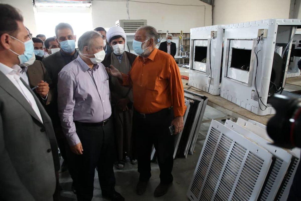 بازدید وزیر صمت از کارخانه تولید کولر آبی قلعه گنج