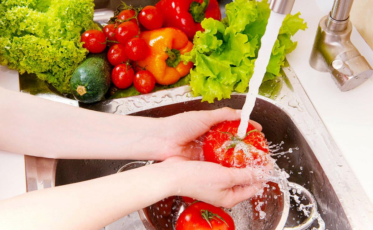 مؤثرترین راه های ضدعفونی میوه و سبزیجات