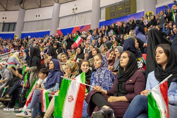 حاشیه های دیدار والیبال ایران و لهستان