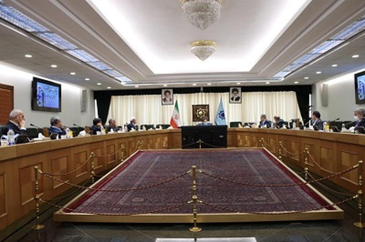 صادرکنندگان حداقل 70 درصد ارز حاصل از صادرات خود را به کشور بازگردانند