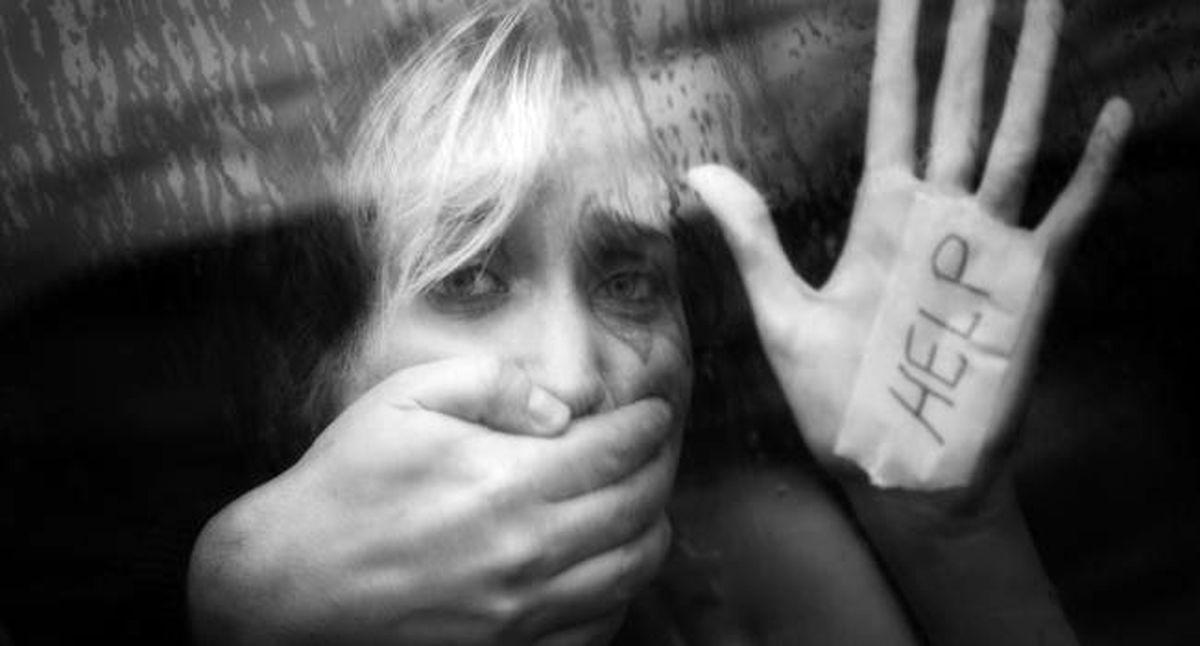 تجاوز وحشیانه راننده به زن جوان در ماشین در راه فرودگاه + جزئیات