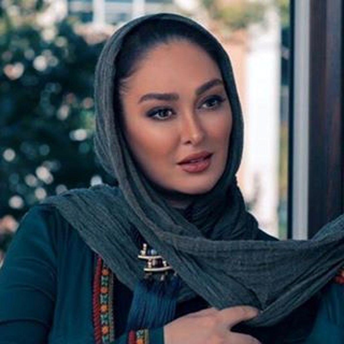 الهام حمیدی از تیپ رسمی خود رونمایی کرد + عکس