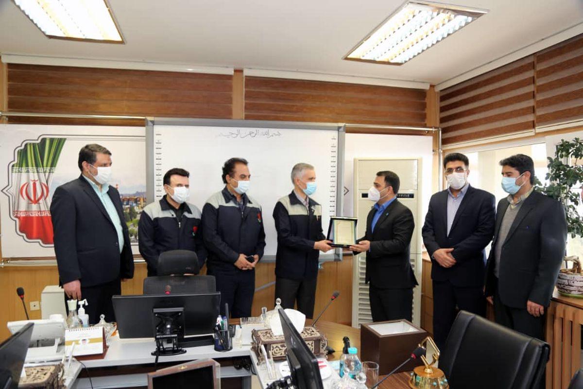 تندیس واحد نمونه استاندارد به ذوب آهن اصفهان رسید