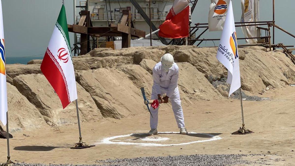 کلنگ اجرای 14 پروژه بزرگ در قشم به زمین زده شد