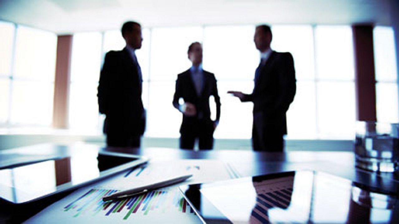 مبارزه با کرونا در محل کار/ فاصله گذاری اجتماعی را در محل کارتان جدی بگیرید