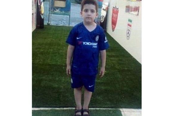 اولین واکنش پدر عماد در پی مرگ پسر 8 ساله اش در ورزشگاه ازادی + فیلم