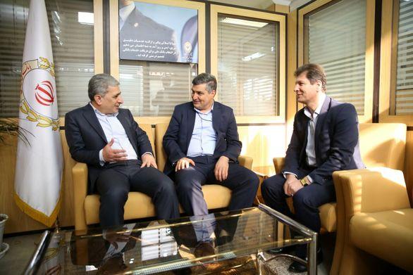 بازدید سرزده مدیرعامل بانک ملّی ایران از شعب رباط کریم و نسیم شهر