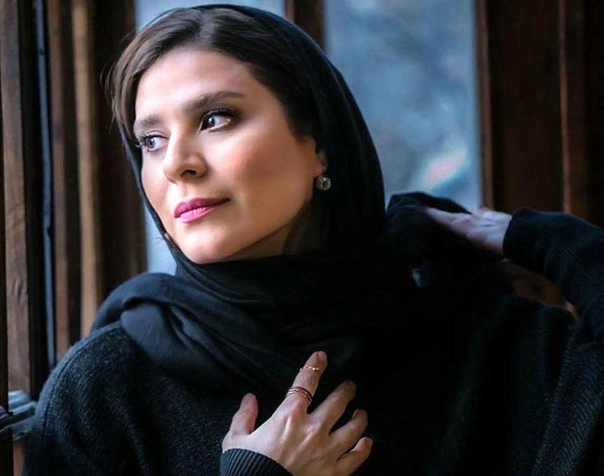 جلب توجه سحر دولتشاهی با یک ژست عجیب | عکس سحر دولتشاهی