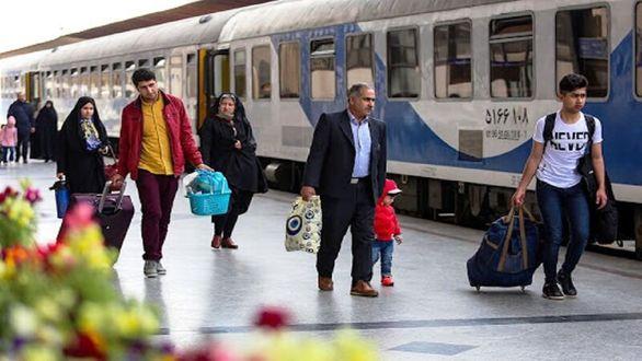 تعداد مسافران قطارهای مشهد نصف شد