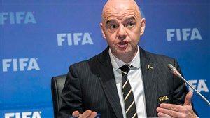 واکنش رییس فیفا به حضور زنان در ورزشگاه آزادی