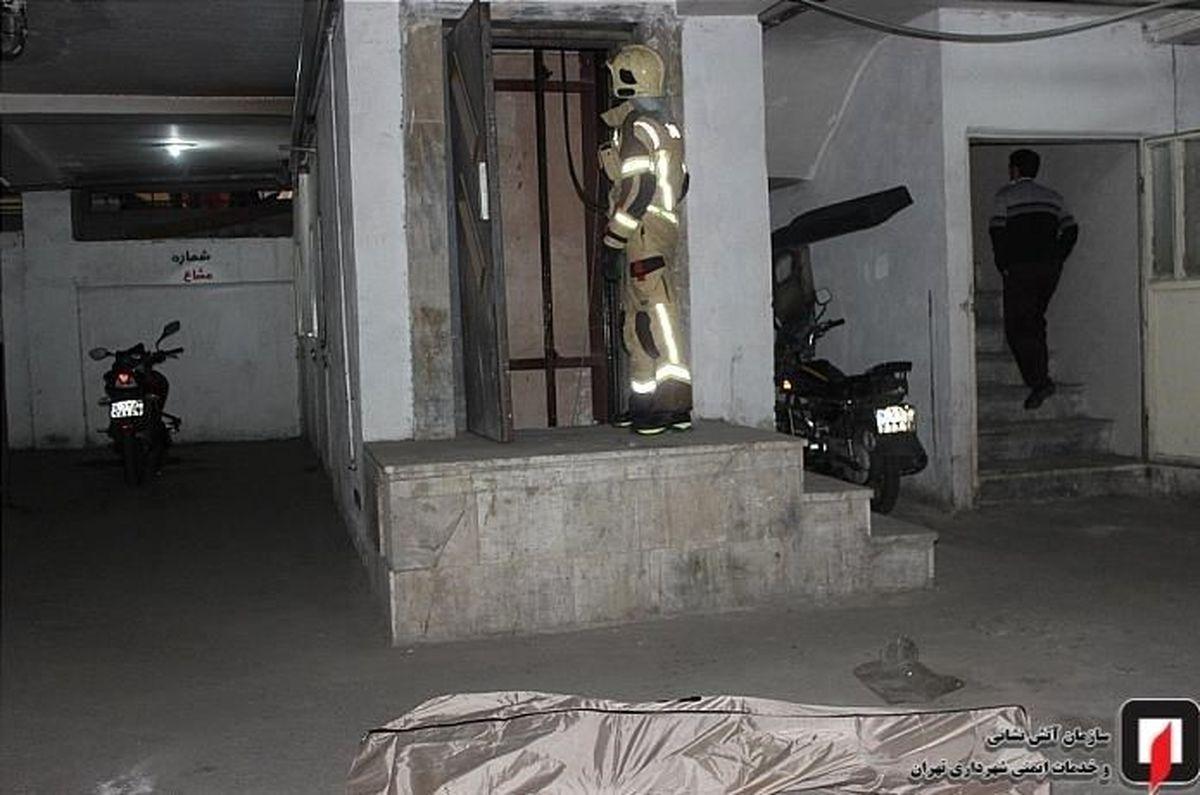 له شدن زن تهرانی در آسانسور خانه اش + تصاویر هولناک