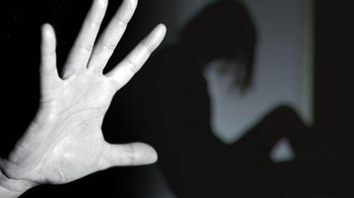 آزار شیطانی به دختر جوان در خانه سرایداری توسط سه نفر + جزئیات