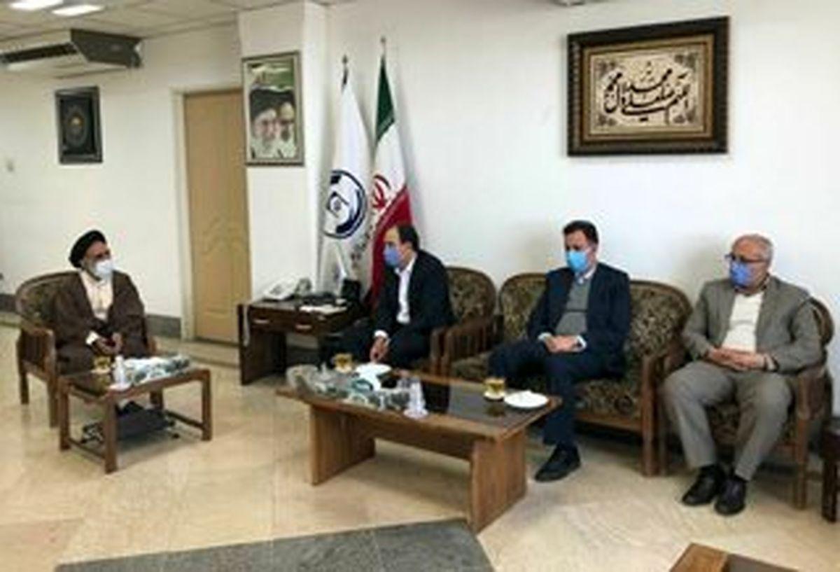 مدیر مرکز خدمات حوزه های علمیه از بیمه آسیا قدردانی کرد