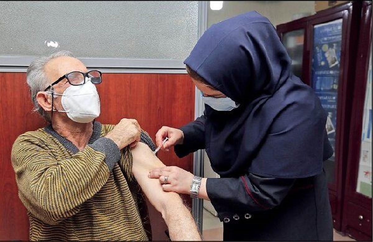 تزریق رایگان واکسن کرونا برای سالمندان در این مراکز انجام می شود