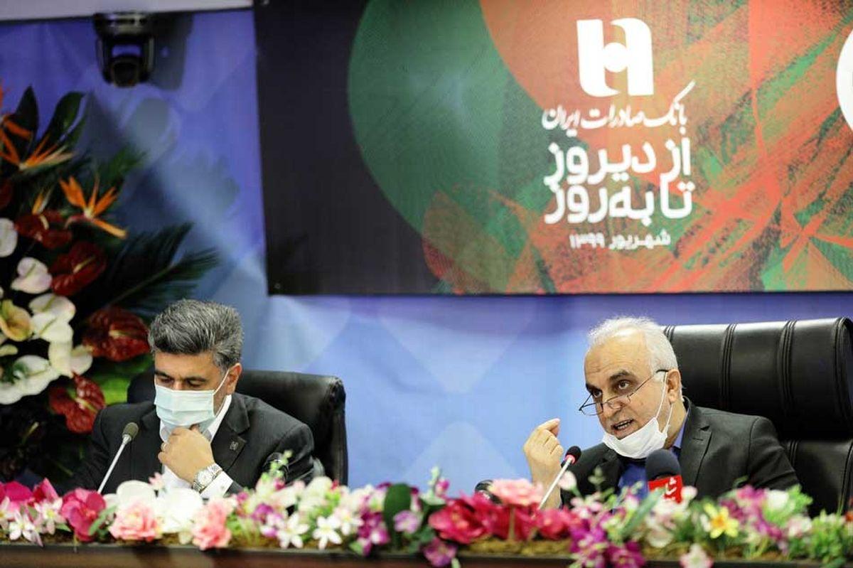 ارائه الکترونیکی ٩٤ درصد خدمات بانک صادرات ایران قابل قدردانی است