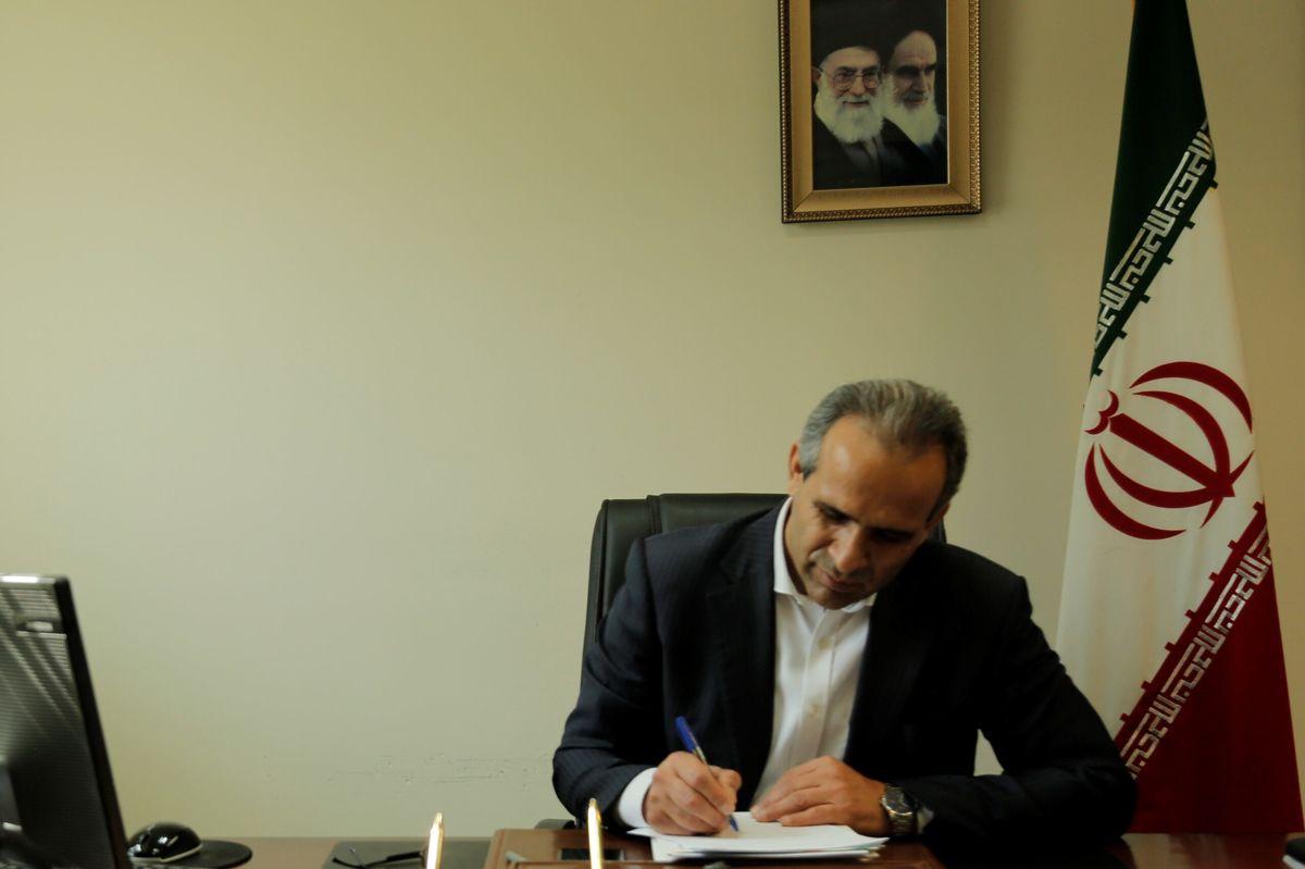 وظیفه ما بسیجیان در حوزه اقتصاد بالا نگه داشتن پرچم مقدس ایران است