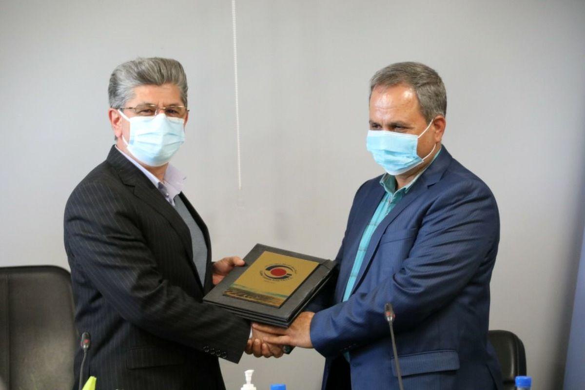 قطار افتتاح های بزرگ صنعتی و معدنی در ایستگاه پنجم دهه فجر