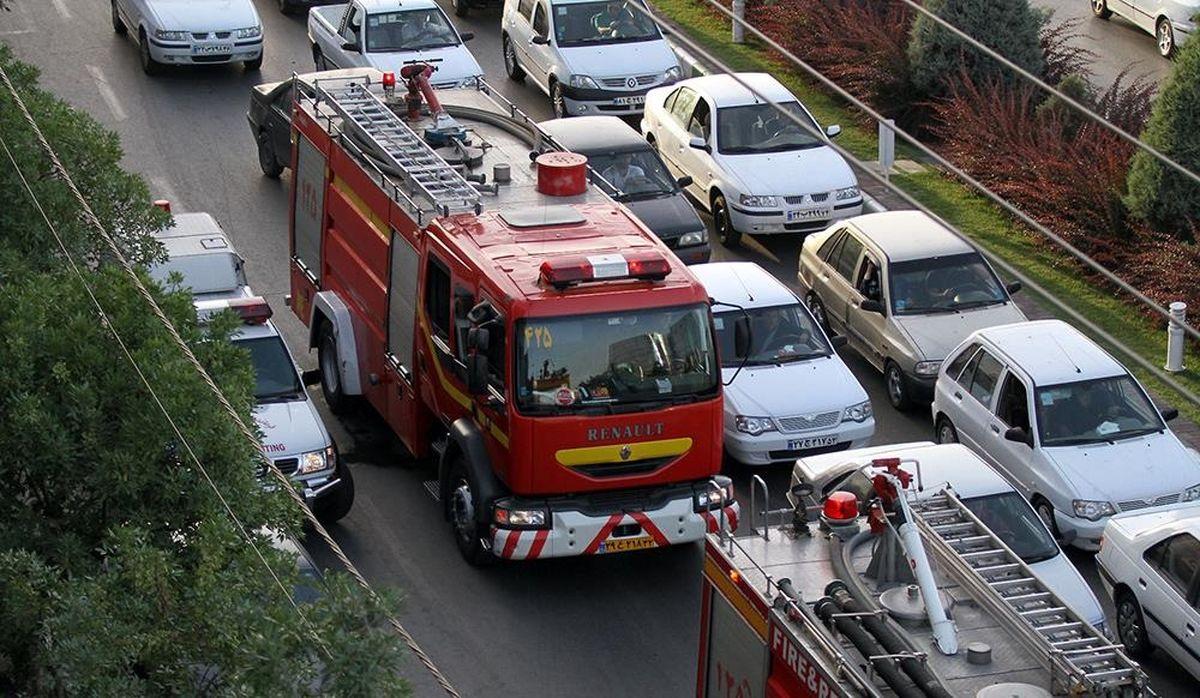 آتش سوزی در بلوار پیروزی مشهد + فیلم