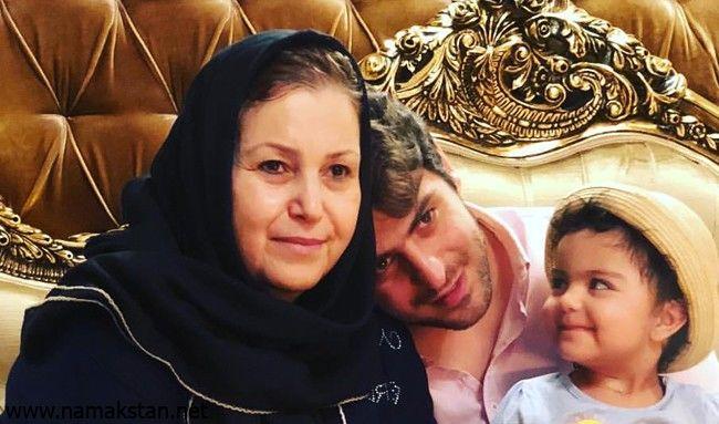 عکس علی ضیا و مادرش