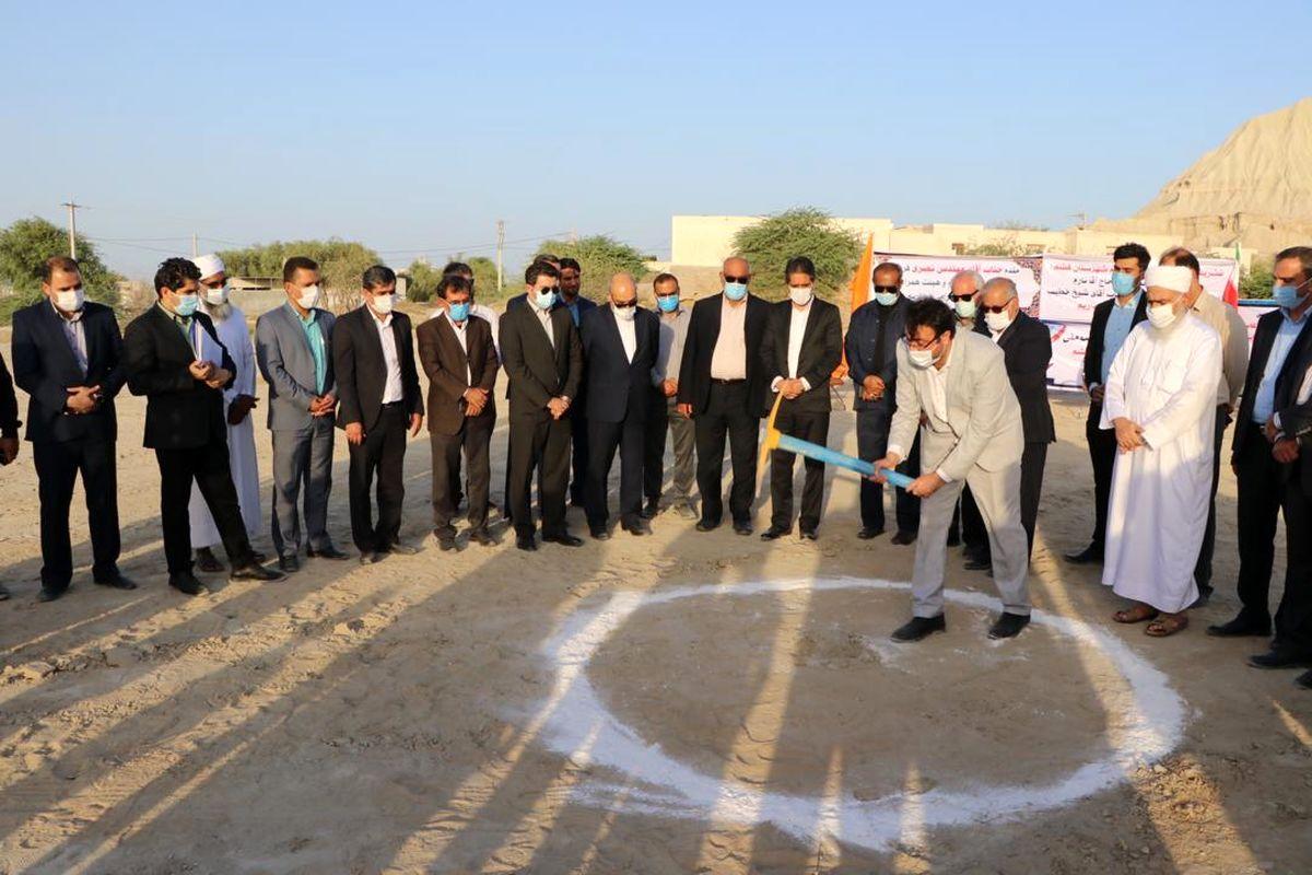 آیین کلنگ زنی مدرسه دخترانه حضرت فاطمه زهرا (س) روستای طولا برگزار شد