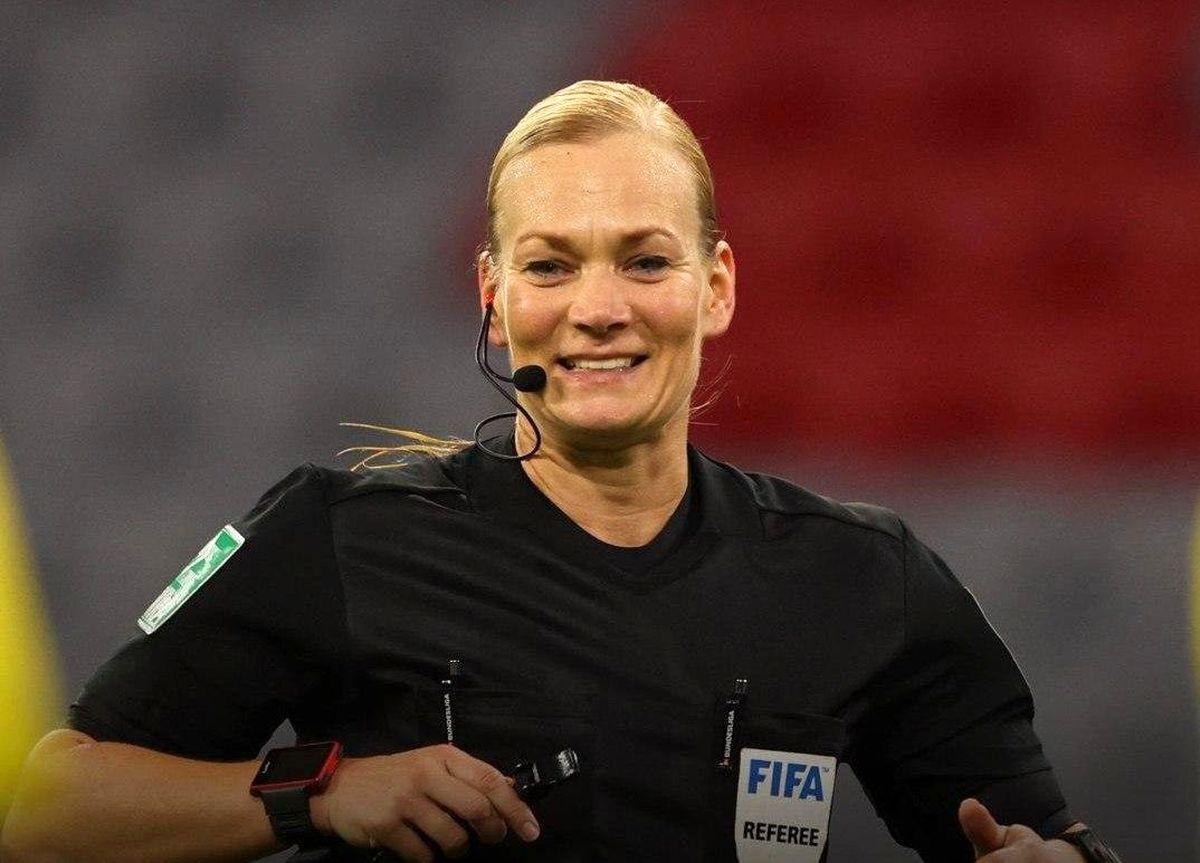 صداوسیما به دلیل داور زن، مسابقه فوتبال را پخش نکرد؟ + عکس