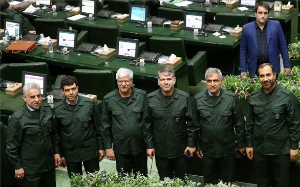 جزئیات پوشیدن لباس سپاه توسط نمایندگان مجلس