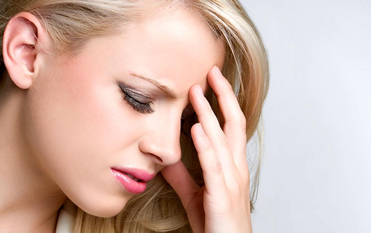 ارتباط بین رنگ مو و سردرد چیست؟ + روش های پیشگیری