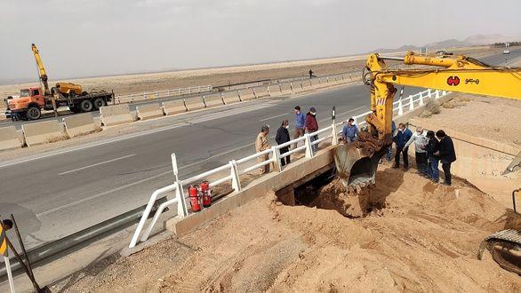 رفع نشتی و بهره برداری مجدد خط لوله 24 اینچ انتقال نفت خام اصفهان به تهران