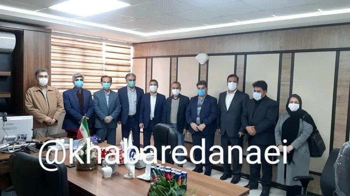 تجلیل از بازنشستگان و نمایندگان برتر شعبه کرمانشاه بیمه دانا