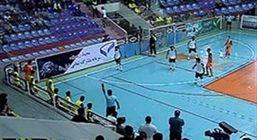 تماشاگران در وسط بازی به ما حمله کردند!