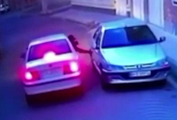 سرقت سه ثانیه ای از یک پژوپارس در کوچه خلوت + ویدئو
