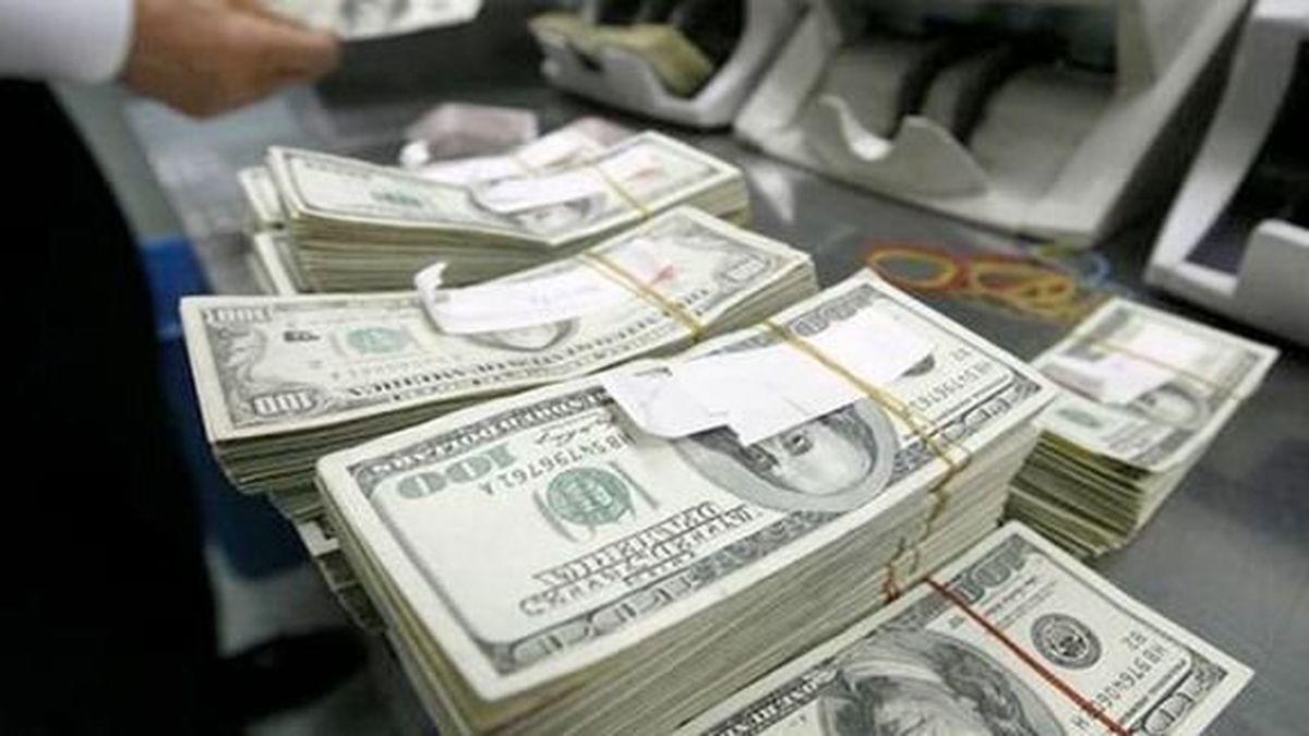 دلار روی سد مقاومتی ایستاد/ یورو ۱۳.۶۰۰ تومان شد