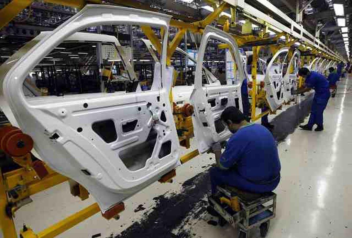 ساز مخالف افزایش قیمت خودرو در بازار با کاهش قیمت سهام این صنعت