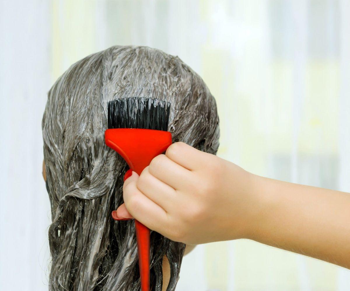 چند وقت یک بار موهای خود را رنگ کنیم؟