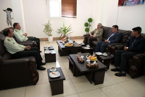 ماموران نیروی انتظامی امنیت و آرامش را برای جامعه به ارمغان می آورند