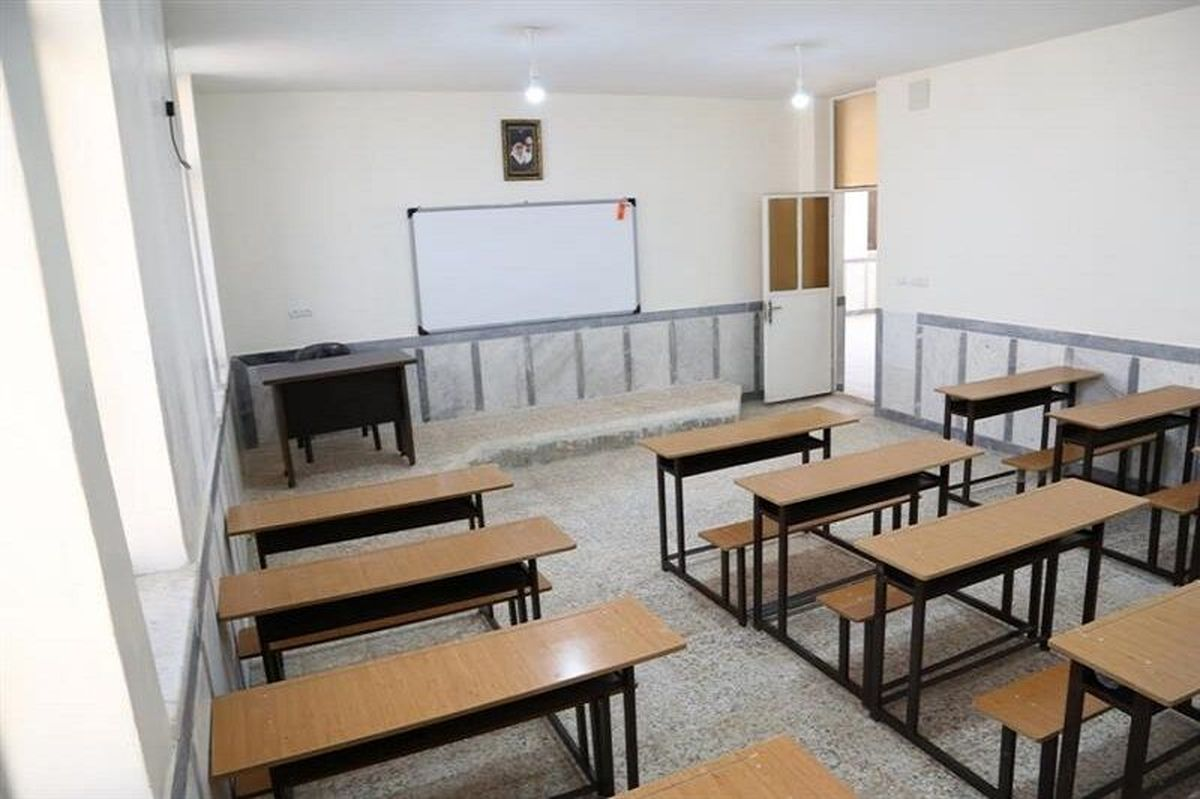 مدارس مهران تعطیل شد