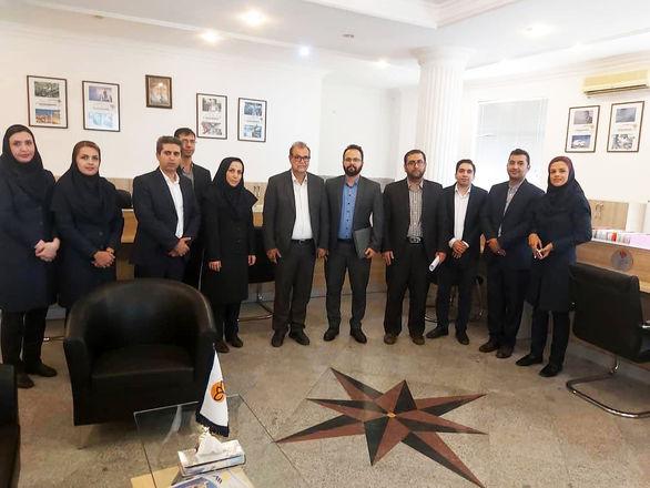 بازدید سرپرست معاونت اقتصادی و  سرمایه گذاری سازمان منطقه آزاد کیش از شعبه بیمه پارسیان
