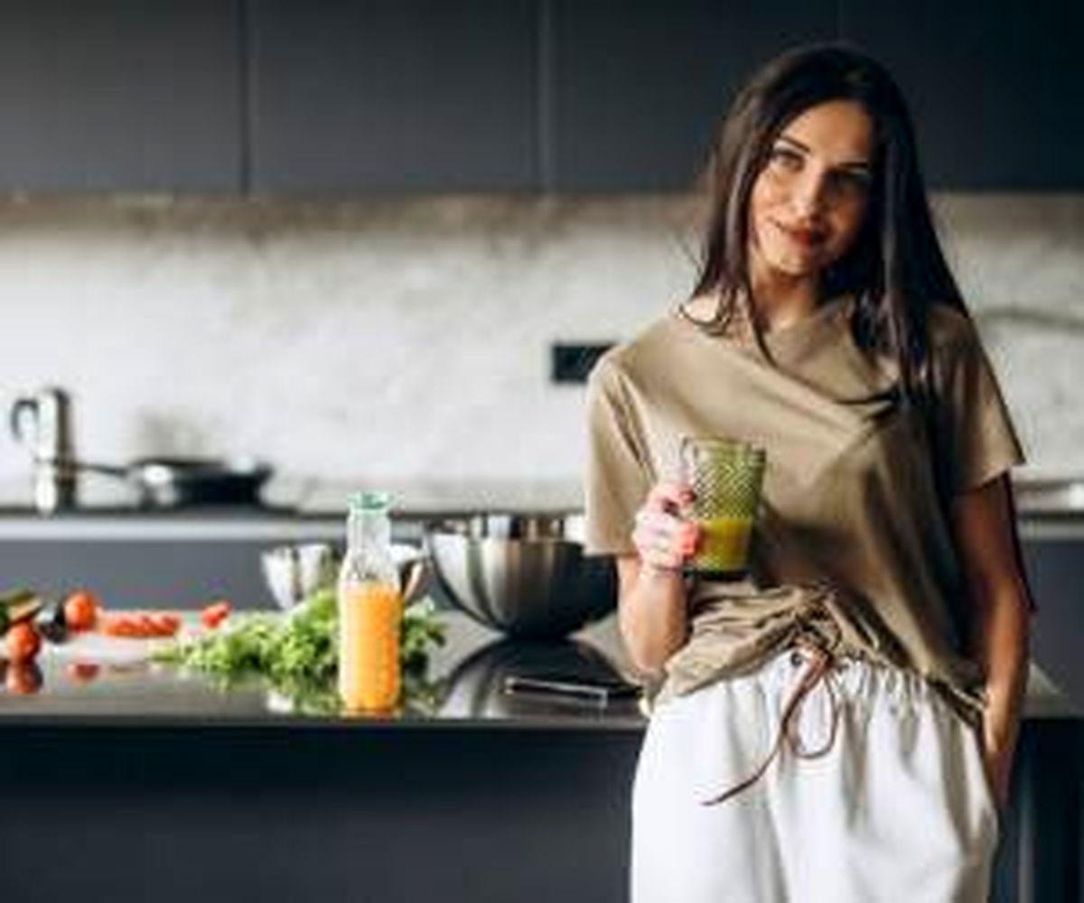 چه خوراکی هایی برای زنان یائسه مفید است؟