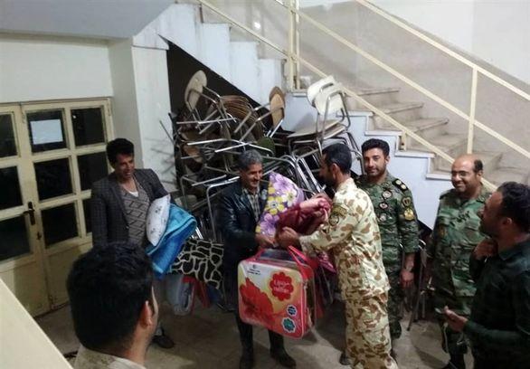 حضور یگان واکنش سریع تیپ ۵۵ هوابرد شیراز در مناطق صعبالعبور سیلزده