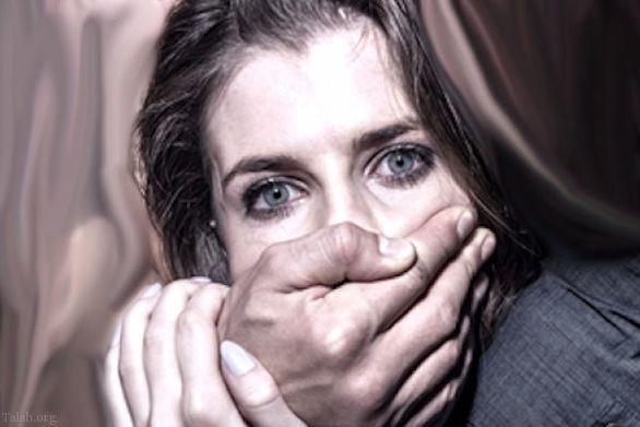 تجاوز جنسی فجیع به همکار زن جلوی چشم کارمندان + عکس های دوربین مدار بسته