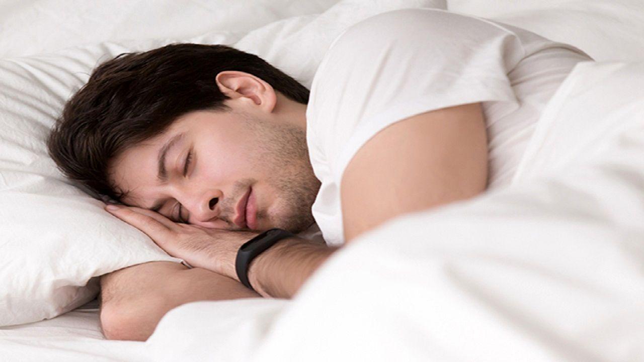 راز و رمز ۷ دلیل خواب آلودگی بعد از غذا چیست؟