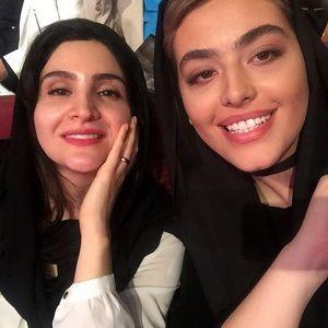 ریحانه پارسا و نورا هاشمی در هجدهمین جشن حافظ